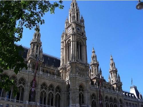 Vienna-Rathausv2