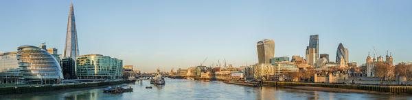 Tower_Bridge_view_at_dawn_crop_600